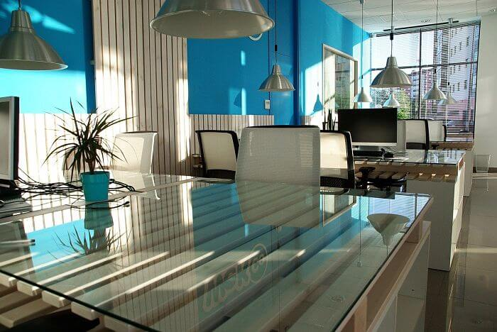 color in offices, decorate an office, office decoration